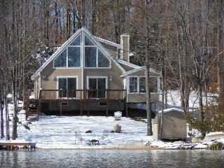 Arrowhead Lake Chalet/Lakehouse/Beachfront Home!!!, Pocono Lake