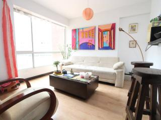DOWNTOWN APT-CLOSE TO LA MACARENA!, Bogota