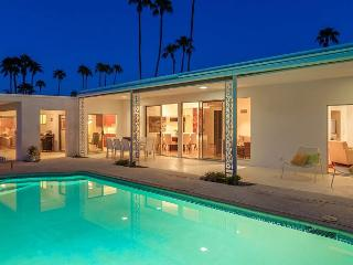 Retro on the Green~NEW! SPEC TAKE 15%OFF ANY 5NT STAY THRU 3/2, Palm Springs