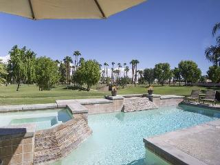 PGA West 3 Bedroom Golf Course House w/ Beautiful Pool & Spa – Sleeps 6, La Quinta