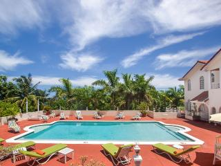 Summerhill Villa, Sleeps 12, Montego Bay
