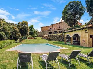 El Munt, Sleeps 19, Castelltercol