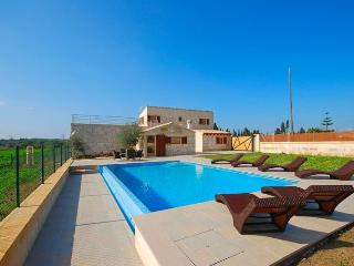 158 Muro, Very comfortable and spacious Finca