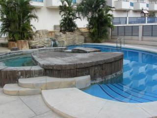 Immaculate Apartment - Walking Distance to Beach, La Zenia