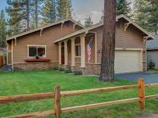 Alpine Haus – Spacious Open Floor Plan, 4 bedrooms, Fireplace, Wifi, Grill, Spa, South Lake Tahoe