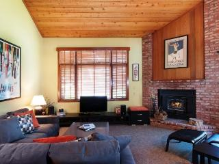 Sunny 3 Story Townhome #319, Mammoth Lakes