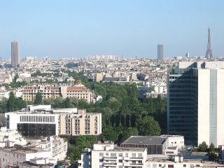 Panoramic view onto Paris, Wifi, phone free, Pool, Courbevoie