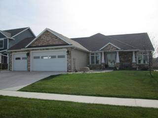 New Listing 10/20/15! Private Lake-Front Home, Rochester