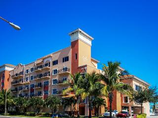Two bedroom condo with community pool on the Gulf, Madeira Beach