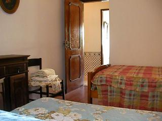 House And Rooms For Rent, Monchique