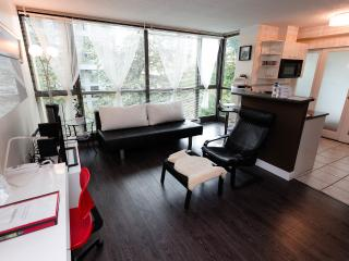 Kimberly - Luxury 1 Jr Br, DT Location Fr $95/nt, Vancouver