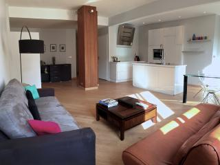 Modern and quiet holiday apartment, Port of Nice