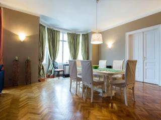 ALL INCLUSIVE Central 2 Bed Apt. INNERE STADT, Vienna