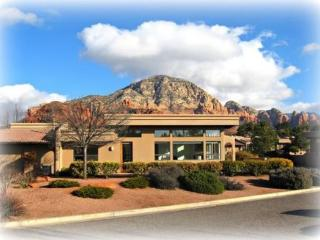 Enjoy the beautiful Red Rocks while staying in this luxury Town Home!, Sedona