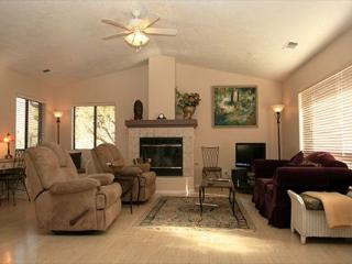 Custom Home with Majestic Views of Cathedral Rock!, Sedona