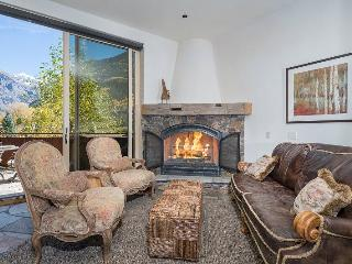 Rivercrown One: 3 bed, 3.5 bath located in downtown Telluride