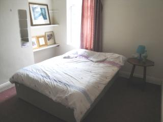 Nice private room with WiFi, Dublin