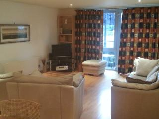 Spacious 2 Double Bed Apartment In Bristol