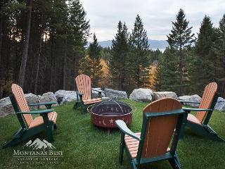 NEW Classy Large Home Minutes from Bigfork!, Lakeside