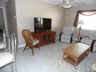 Lovely villa, quiet and resently updated., The Villages