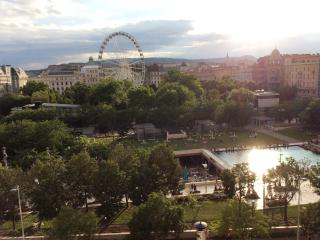 Budapest Eye Apartment- Great View Center location