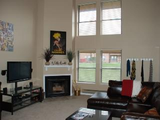 Great location and comfortable accommodations with beautiful views., Eden