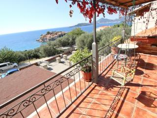Apartment with sea view on Sveti Stefan