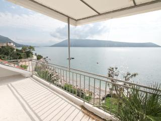 Apartment with a gorgeous view of the sea, Savina