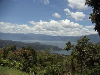 Stunning Lake View, Santa Catarina Palopo