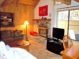 #104 Standard 2 BR Townhouse next to Snow Summit, Big Bear Lake