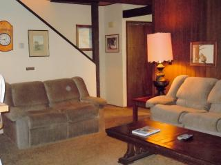 #127 Standard 2 BR Townhouse next to Snow Summit, Big Bear Lake