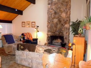 #82 Standard 2.5 BR Townhouse next to Snow Summit, Big Bear Lake