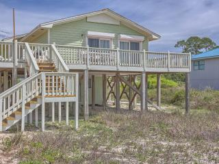 Cozy and Updated Beachfront Cottage - Sleeps 6, Cape San Blas