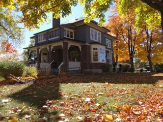 The Captain's House, heritage bed and breakfast, Midland