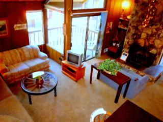 #11 Standard 3 BR Townhouse next to Snow Summit, Big Bear Lake