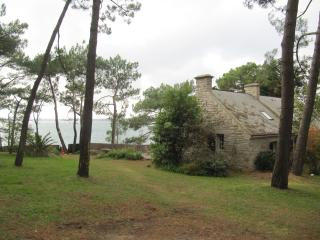 Brittany, lovely villa on the seafront, Baden