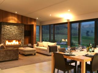 Luxury Family Home at Kinloch Golf Club, Taupo