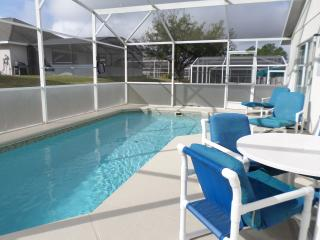 AWESOME 4 Bed Villa,South Facing Pool & Games Room, Davenport