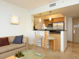 Luxurious 1/1 Ocean View Unit at the Marenas Resort!, Sunny Isles Beach