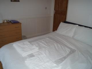 Beautiful Cozy Rm 2, Close to sea, close to shops, Portsmouth