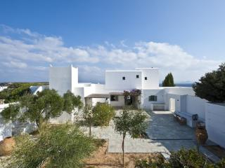 Large Paros Villa near Sandy Beach with Views - Santa Maria Beach, Naoussa