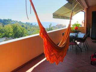 Apartment with Shared Pool and Walking Distance to Town - Lolita, San Terenzo