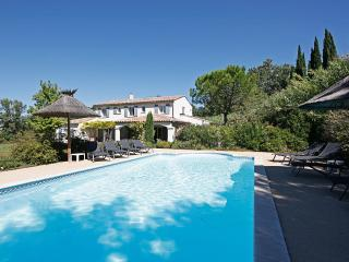 Family-friendly Villa with Pool in Saint-Remy-de-Provence  - Villa Adelaide