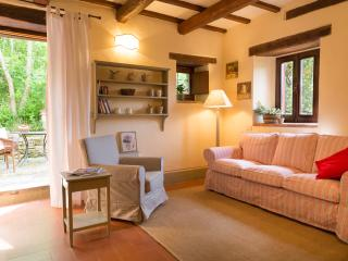 Farmhouse in Emilia Romagna with Swimming Pool and Walking Distance to Village  - Torre Romeo, Marradi