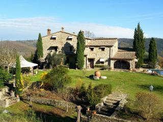 Historic Villa with Pool and Cottage in Umbria - Fortezza Umbra, Ficulle