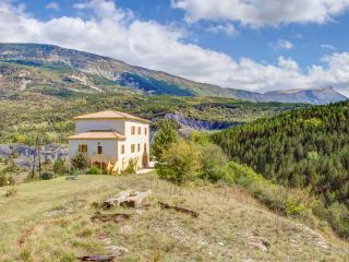 Chateau De Meouille Pet-Friendly Vacation Rental with a Pool, Saint Andre Les Alpes