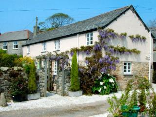 LANWI Cottage in St Austell, High Street