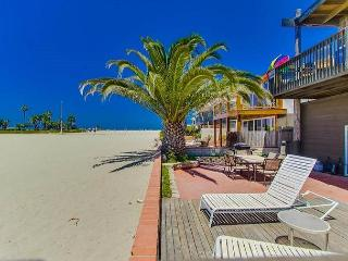 Tropical Home In South Mission Beach With Very Large Ground Floor Patio, San Diego
