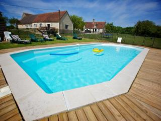 Domaine de Matounet , heated pool on 10 Acres, Loches