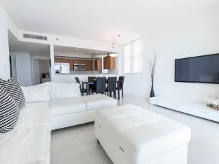 Fabulous 2BR Apt. in Brickell's One Broadway!, Miami